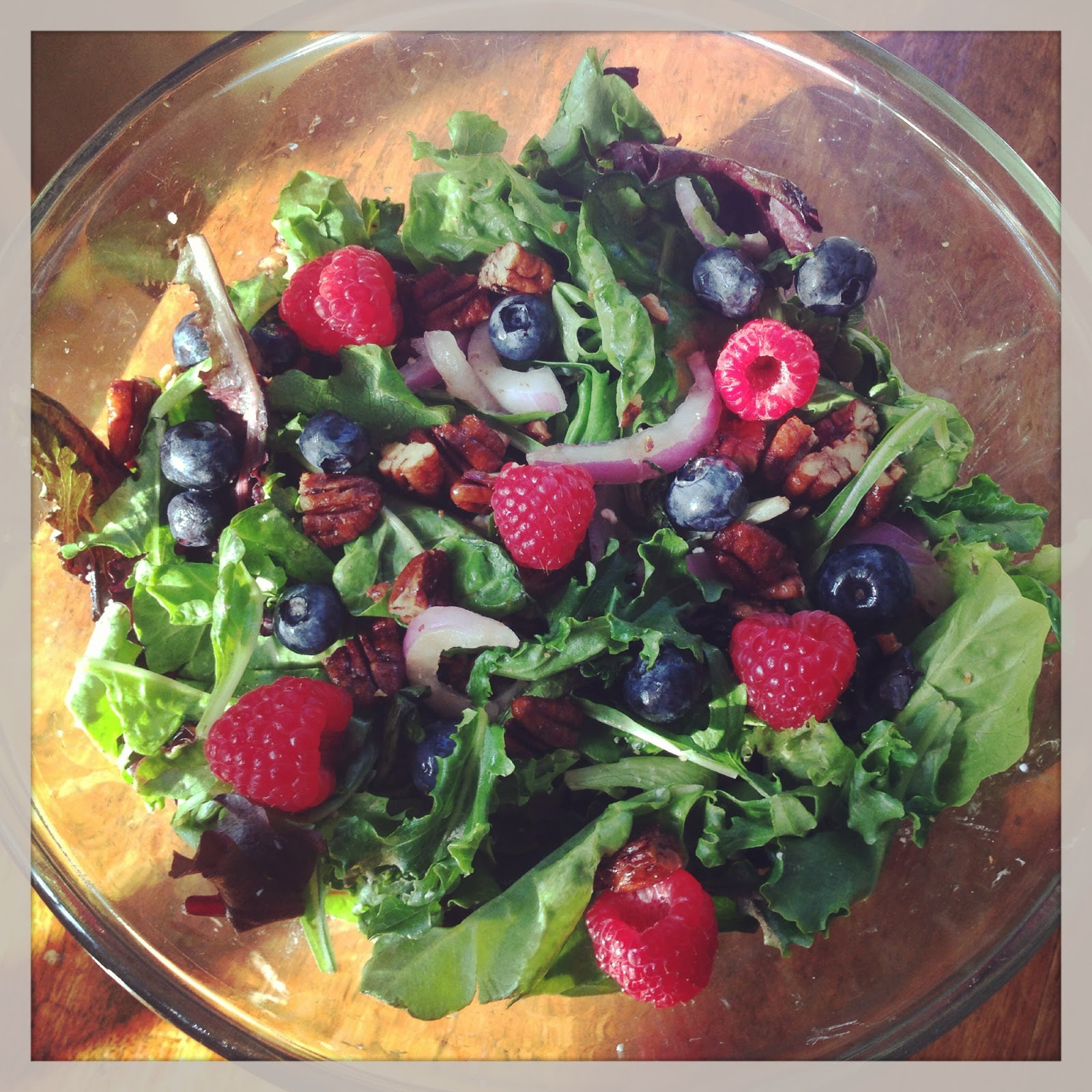 Mixed Greens Salad With Fresh Fruit and Candied Pecans